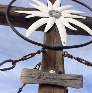Heiratsantrag im Schnee Gipfelkreuz Hochzeit