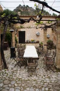 Hochzeitslocation Mallorca Eventlocation Weinanbau Innenhof
