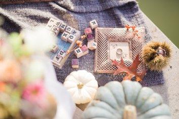 Hochzeitsplanerin heiratet Verlobungsshooting Herbst Verlobungsring