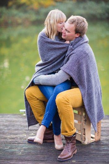 Hochzeitsplanerin heiratet Verlobungsshooting Herbst Zweisamkeit