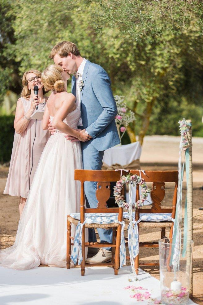 Hochzeitsplanerin heiratet Mallorca Trauringe Uhr Ja Wort